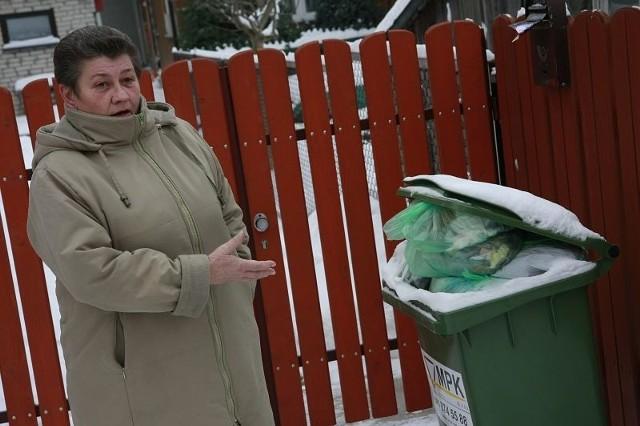 Zmieniłam firmę wywożącą śmieci, bo była nieco tańsza – mówi Jadwiga Czystowska. – Gdybym wiedziała co mnie czeka, nie zrobiłabym tego.
