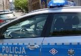 Policja z Ostrowi zatrzymała pijanego kierowcę. Okazało się, że on i pasażerka mają do odbycia karę pozbawienia wolności