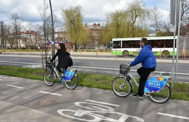 W najbliższy piątek, 22 września, będziemy obchodzić Dzień bez Samochodu. Każdy będzie mógł bezpłatnie podróżować autobusami Białostockiej Komunikacji Miejskiej i korzystać z wydłużonego czasu na bezpłatną przejażdżkę rowerem miejskim.