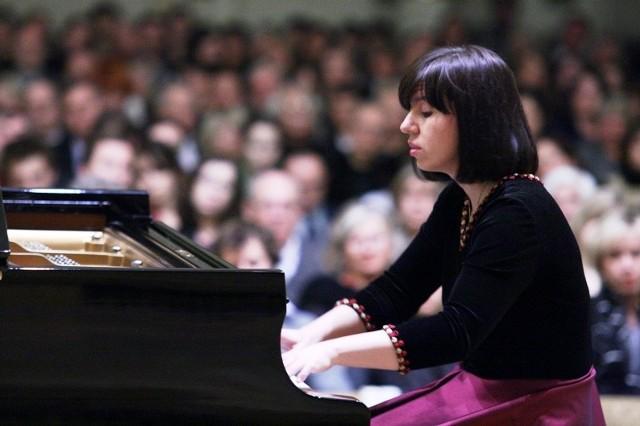 Nie ma wątpliwości, że poznańska Akademia Muzyczna to jedna z najaktywniejszych instytucji kultury w naszym mieście w czasie pandemii. Dobrze pokazały to ostatnie miesięce, kiedy online odbyło się mnóstwo zorganizowanych przez nią koncertów i innych wydarzeń. Nie inaczej będzie w styczniu, kiedy program wydarzeń online w AM dosłownie pęka w szwach.(na zdjęciu Joanna Marcinkowska, jeden z muzyków, którego będzie można posłuchać w ramach styczniowego programu Akademii Muzycznej)Przejdź dalej ---->