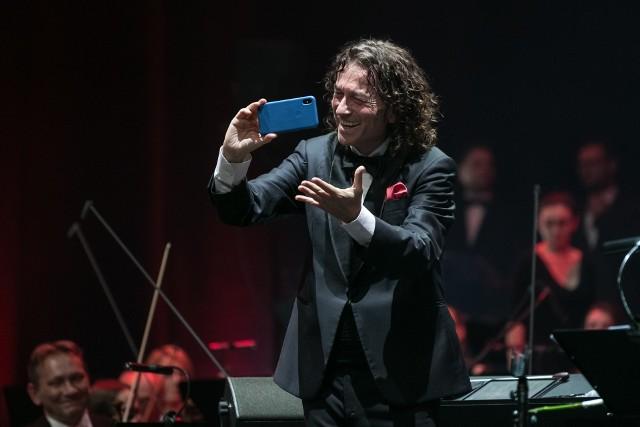 Piotr Rubik będzie dyrygował koncertem w Prudniku.
