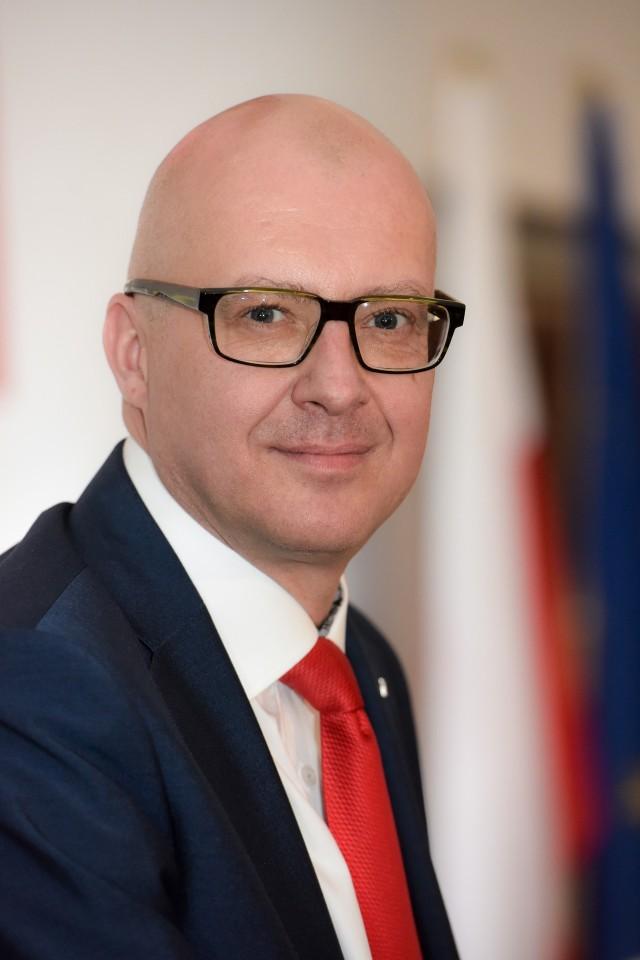 Dr. hab. n. med. Mariusz Gujski, specjalista od zdrowia publicznego, Katedra Zdrowia Publicznego i Środowiskowego, Warszawski Uniwersytet Medyczny
