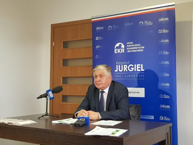 Poseł do Parlamentu Europejskiego przedstawił w poniedziałek (2.08) przebieg swojej pracy i efekty negocjacji w zakresie Wspólnej Polityki Rolnej. Podsumował również dwa lata swojej kadencji w PE.