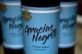 """""""Rasistowski"""" skandal z Edinsonem Cavanim inspiracją dla... producentów wina. Urugwajska winiarnia sprzedaje trunek """"Gracias, Negrito"""""""