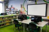 Elektroniczne dzienniki, interaktywne platformy – polskie szkoły stawiają na technologię