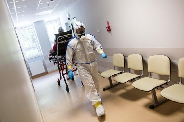 Niestety z powodu koronawirusa zmarł lekarz z naszego regionu.