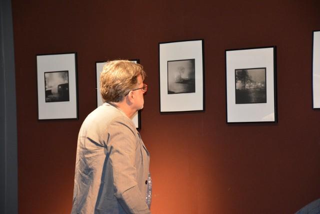 W nocy i we mgle II. Wystawa Adama Szewczykowskiego w Gminnym Centrum Kultury w Otyniu
