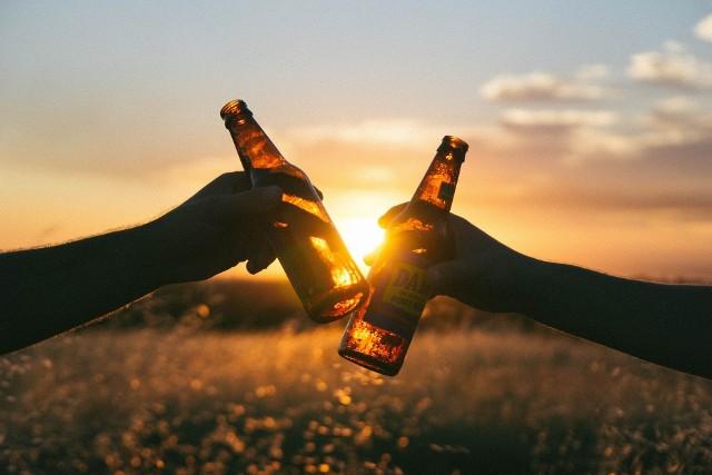 Wrocławianie próbowali ukraść czteropak piwa. Grozi im 10 lat