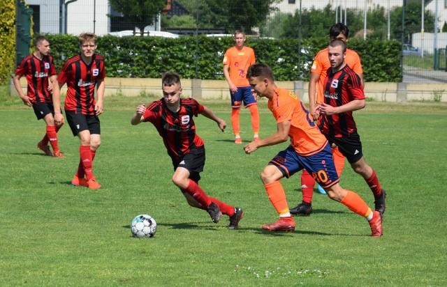 Za nami już wszystkie dziesięć meczów w ramach 41. kolejki BS Leśnica 4 Ligi Opolskiej. Tym samym prezentujemy raporty z tych gier i strzelców bramek, komentarze, ciekawostki oraz galerię z jednego ze spotkań.
