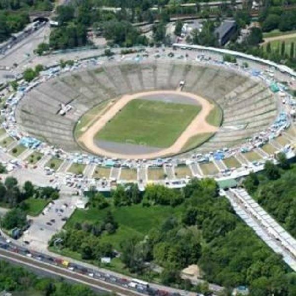 Pomysł nadania stadionowi imienia papieża Polaka jest dość kontrowersyjny