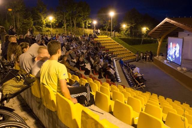 Na widowni amfiteatru zasiadło 230 osób.