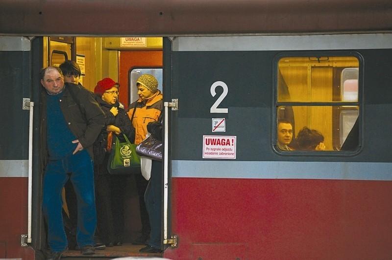 W grudniu z rozkładu wypadnie 8 pociągów PR. Co będzie od stycznia 2013 roku, tego nie wie nikt. (fot. Sławomir Mielnik)