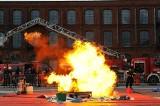Ogień i wybuchy! Niezwykłe pokazy łódzkich strażaków w Manufakturze. Ratownicy rozdadzą 200 czujek!