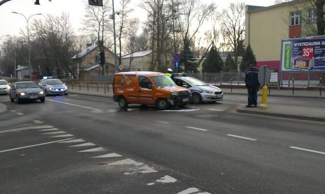 W sobotę około godziny 10 doszło do kolizji na skrzyżowaniu ul. Antoniukowskiej i ul. Gajowej.