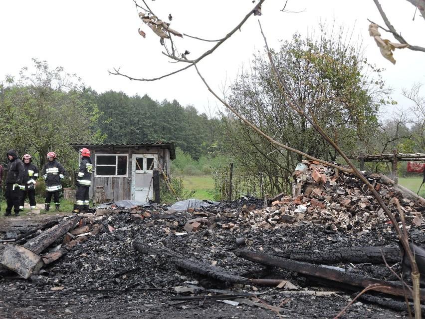 Chlewiszcze. Pożar domu całkowicie zniszczył zabudowanie....