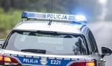 Poważny wypadek dostawczego volkswagena i kolizja busów w Jędrzychowicach koło Wschowy. Pasażer był reanimowany