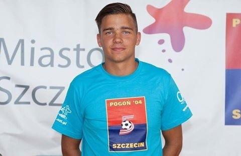 Mateusz Krzymiński już w barwach Pogoni.