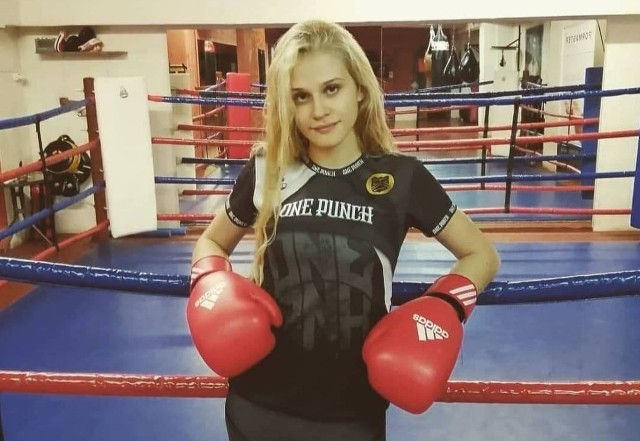 Patrycja Sitarska z klubu Fighter Kielce rozpoczyna rywalizację na Mistrzostwach Polski Juniorek w boksie.