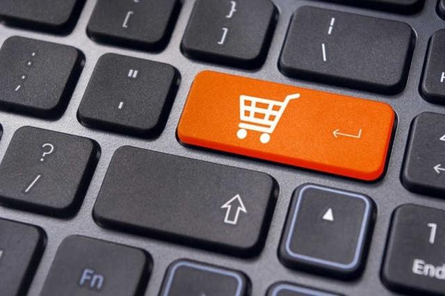 Wieś goni miasto w zakupach online