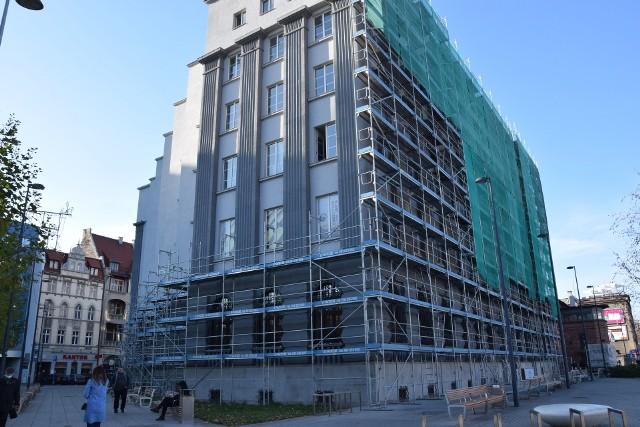 Gmach przy rynku w Katowicach w remoncie. Zabytek odzyskuje blask