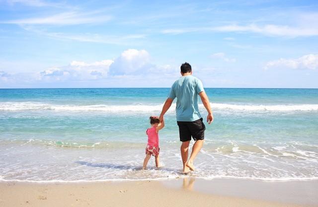 Kodeks pracy w 2019. Urlopy rodzicielskie będą dłuższe. PE przegłosował ustawę.
