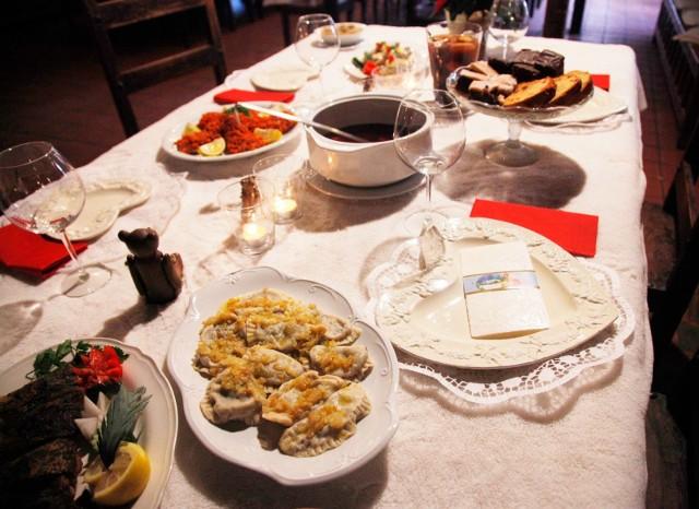 Podczas świąt trudno nas sobie odmówić wielu potraw zwłaszcza, że niektóre goszczą w naszych domach tylko raz w roku