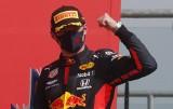 Formuła 1. Lewis Hamilton pokonany na własnym podwórku. Znakomita strategia Red Bulla dla Maxa Verstappena