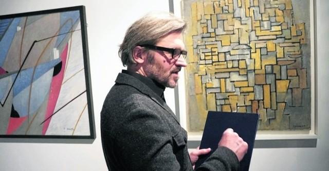 Dzieła Pieta Mondriana, które ogląda dyrektor Jarosław Suchan, poprzedziły szkice drzew,