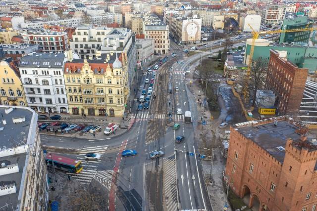 Na skrzyżowaniu ulic Drobnera i Dubois we Wrocławiu ma powstać nowy węzeł przesiadkowy komunikacji miejskiej.