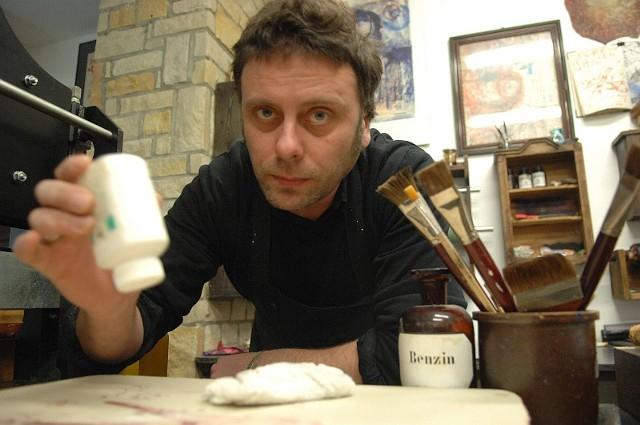 Pracownię litograficzną prowadzi w Kostrzynie Mariusz Kaczmarek.