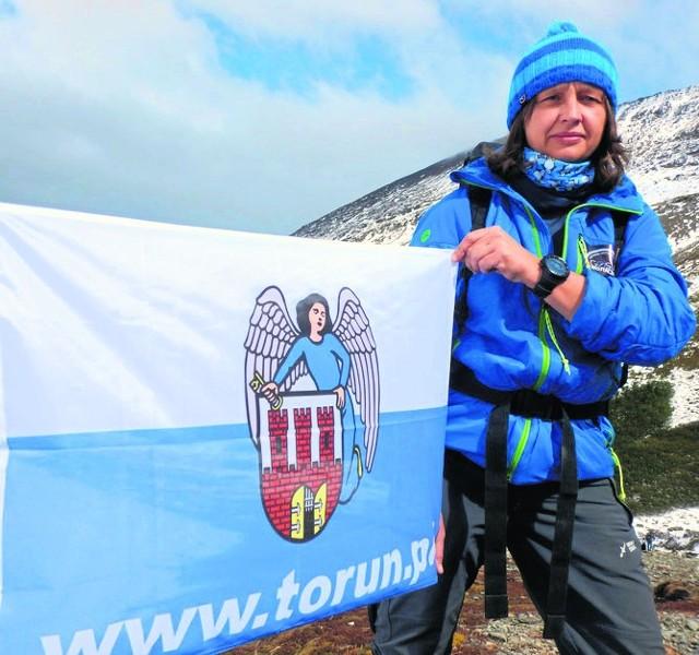 Małgorzata Wojtaczka podczas wędrówki przez najzimniejszy i najbardziej wietrzny kontynent - Antarktydę - będzie promować Toruń