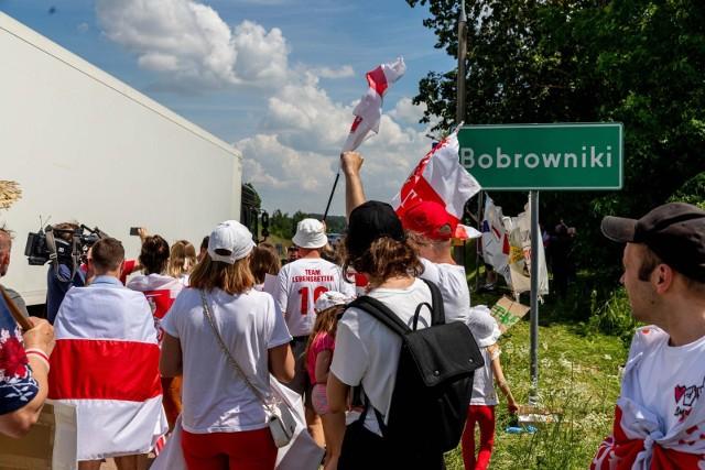 Białorusini od tygodnia protestują przy granicy. Wsparł ich także Robert Tyszkiewicz - białostocki poseł.