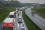 Brzesko-Kraków. Na autostradzie A4 wprowadzono zakaz wyprzedzania dla ciężarówek