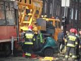 Wypadek tramwajowy w Lipinach WIDEO ZDJĘCIA Tramwaj zmiażdżył samochód. Są ranni WYPADEK LIPINY