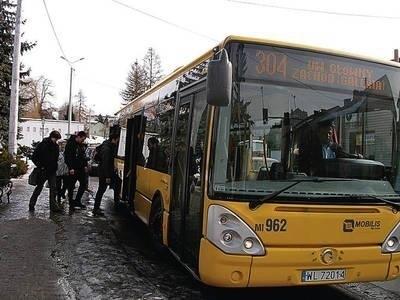 """Styczniowe wydłużenie trasy """"304"""" wywołało w Wieliczce burzę. Niebawem aglomeracyjny autobus powróci na dawną trasę. Fot. Jolanta Białek"""