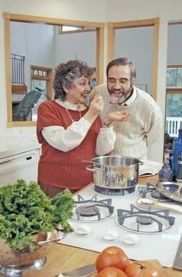 Kto uwielbiał jako dziecko zupę pomidorową, jaką przyrządzała jego mama, będzie tylko za taką, a nie żadną inną, tęsknił do końca życia Fot. Theta