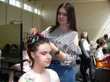 I Konkurs Sztuki Fryzjerskiej TUFKO - MANIA w Sandomierzu. Na głowach powstały niezwykłe plecionki [WIDEO, ZDJĘCIA]