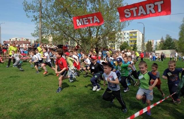 Około 500 dzieci wzięło udział w biegach przełajowych organizowanych przez Szkołę Podstawową nr 44 w Białymstoku