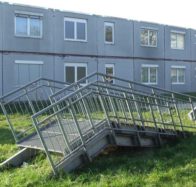 Ten szpital w lutym został w częściach przywieziony z Niemiec przez firmę EMC