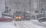 Komunikacyjny paraliż w Bydgoszczy. Śnieg zatrzymał ruch w mieście [zdjęcia] Tak wyglądała Bydgoszcz w poniedziałek, 8 lutego