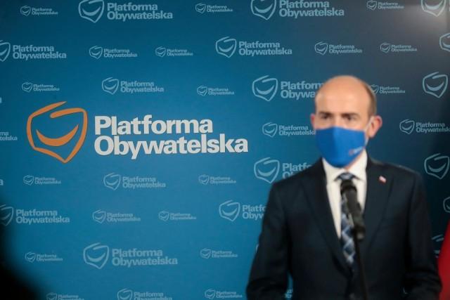 18 maja 2021 odbyło się spotkanie klubu Platformy Obywatelskiej. O tym, że była to długa i trudna, ale dobra rozmowa, świadczą komentarze polityków. Według poznańskiego posła PO, Waldego Dzikowskiego, wczorajsze spotkanie było cennym doświadczeniem.