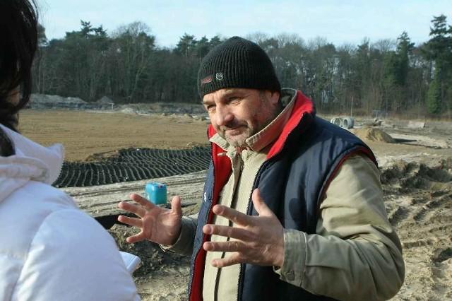 - Mamy doświadczenie w budowie tego typu obiektów, więc prace nie sprawiają nam problemów - mówi Jerzy Chmielowicz (na zdjęciu).