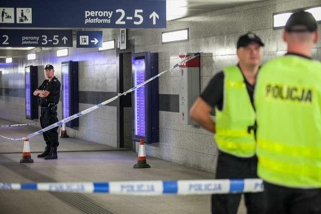 W piątek po godzinie 10 zdecydowano się na ewakuację dworca PKP Bydgoszcz Główna, około 200 pasażerów musiało opuścić budynek