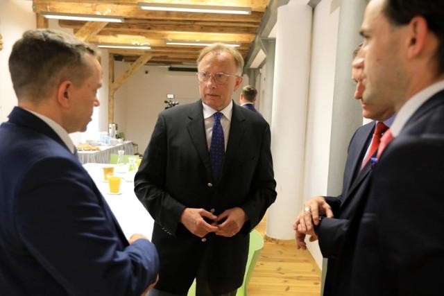 - Ciągłe wprowadzanie nowych, nieprzemyślanych regulacji destabilizuje przedsiębiorcom pracę, nie mogą oni efektywnie planować działalności – komentuje Marek Goliszewski, prezes BCC.
