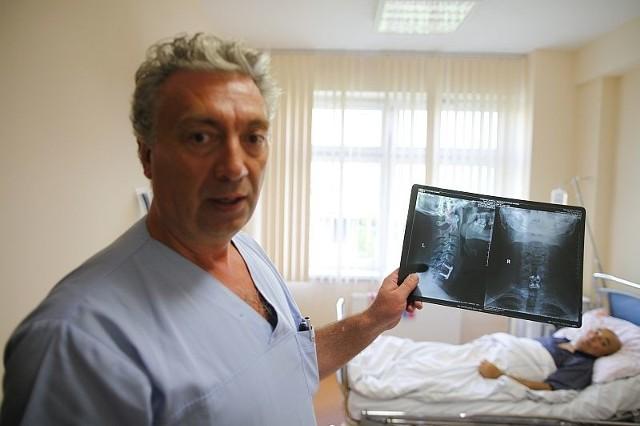 Dr Zbigniew Florczak, neurochirurg z WCM w Opolu: – Każdy skok do wody jest ryzykowny, bo cały ciężar ciała i siła uderzeniowa związana z wejściem w taflę wody skupia się na najdelikatniejszym odcinku kręgosłupa szyjnego.