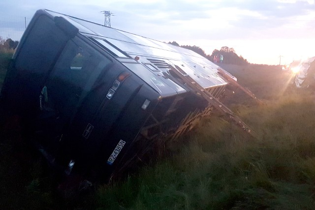Wypadek autobusu na A2 w Szczawinie