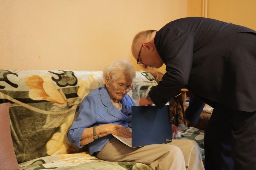Tekla Juniewicz ma 115 lat. Mieszka w Gliwicach i dzisiaj...
