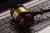 Precedensowy wyrok. Fiskus będzie mógł zablokować konto firmowe bez przedstawienia dowodów?