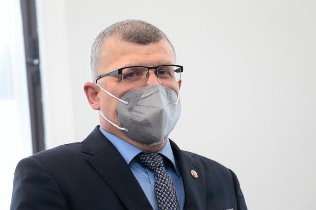 Dr Paweł Grzesiowski (na zdjęciu) został oczyszczony z zarzutów i nie utraci prawa do wykonywania zawodu lekarza.