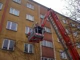 To nie prima aprilis. 2,5-letnie dziecko zamknęło się w mieszkaniu! Pomogli strażacy!